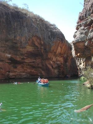 Adoro descobrir lugare no Brasil, como o Canion do Xingó
